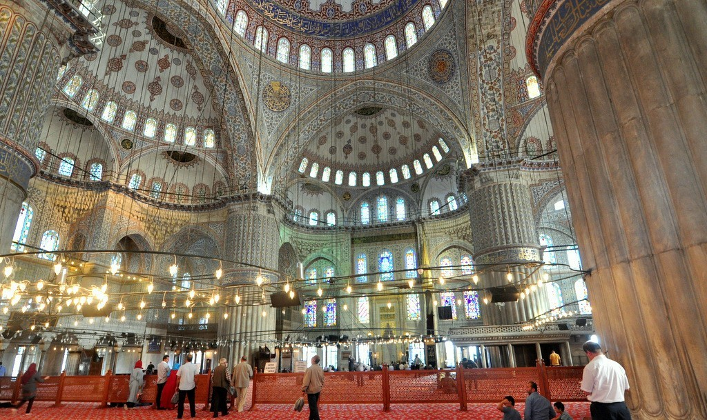 Istanbul Blue Mosque Interior, Inside Photos Dome and Pillars