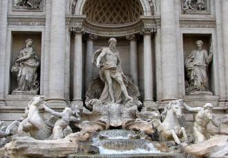 trevi-fountain-rome-italy
