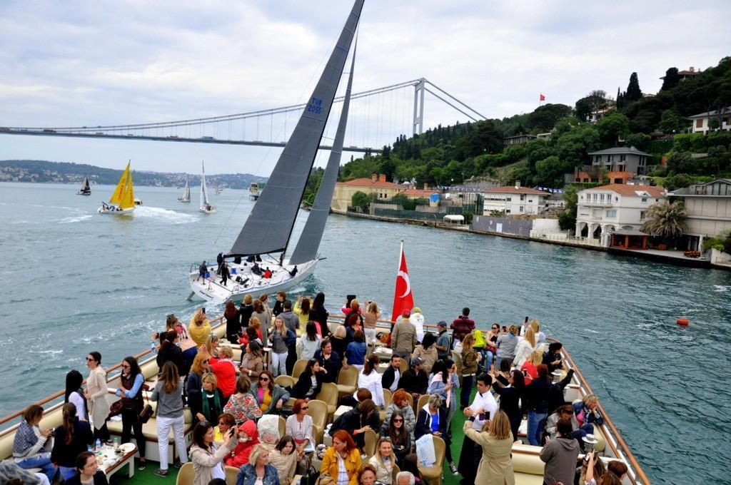 bosphorus-boat-istanbul